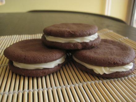 Mint cream chocolate biscuits